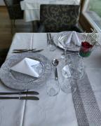 Pension-Erlacher--Wintergarten-Tisch-gedeckt
